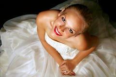 белокурая невеста довольно стоковые фотографии rf