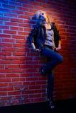 белокурое коромысло glam девушки стоковая фотография rf