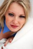 белокурые женщины веснушек молодые стоковое изображение rf