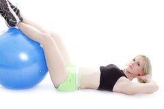 белокурые ноги отдыхать девушки Стоковое фото RF
