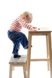 белокурый изолированный мальчик немногой стоковая фотография