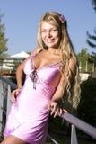 белокурый пинк платья Стоковые Фотографии RF