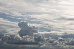 Белые облака с голубым небом как изображение предпосылки Стоковые Фотографии RF