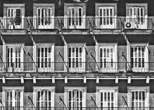 Белые окна, Мадрид стоковые изображения