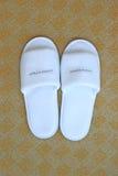 Белые тапочки гостиницы Стоковое Фото