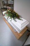 Белый гроб стоковая фотография rf