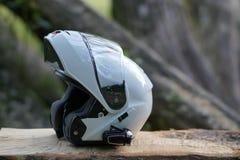 Белый классический шлем мотоцикла отсутствие имени стоковые изображения