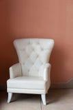 Белый кожаный стул Стоковое Изображение