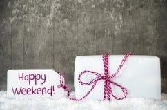 Белый подарок, снег, ярлык, отправляет СМС счастливые выходные Стоковое фото RF