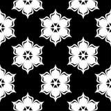 Белый флористический дизайн на черной предпосылке картина безшовная Стоковые Изображения