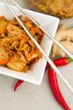 Белый шар корейской еды kimchi с палочками Стоковое Фото
