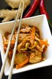 Белый шар корейской еды kimchi с палочками Стоковые Изображения RF