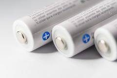 Белый Panasonic двойное перезаряжаемые батареи Стоковые Фотографии RF