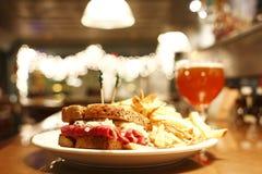 бельец пива reuben сандвич Стоковые Фотографии RF
