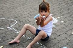 беля мелом улица девушки Стоковая Фотография