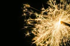 Бенгальский огонь как предпосылка на теме Новогодней ночи стоковые фотографии rf