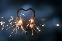Бенгальский огонь формы сердца Стоковые Фотографии RF