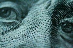 Бенджамин Франклин на 100 высококачественных долларовой банкноты близких поднимающих вверх Стоковое фото RF