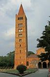 Бенедиктинский steeple аббатства деревни Pomposa в Emili Стоковые Фотографии RF