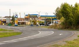 Бензозаправочная колонка на входе Pomorie в Болгарии Стоковые Фотографии RF