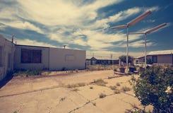 Бензоколонка трассы 66 - старое город-привидение - Стоковые Фотографии RF
