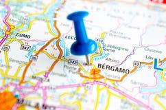 Бергамо на карте стоковые изображения rf