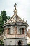 БЕРГАМО, ITALY/EUROPE - 10-ОЕ ОКТЯБРЯ: Баптистерий Santa Maria m Стоковая Фотография RF