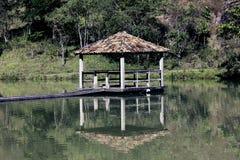 берега pehoe парка paine озера дома америки Чили del гостиницы torres национального южные Стоковое Изображение RF