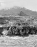 Береговая линия Астурии с скачком скалами стоковое фото