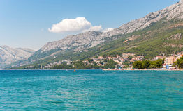 Береговая линия в Baska Voda, Хорватии Стоковая Фотография RF