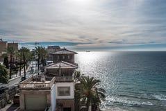 Береговая линия в Palma с архитектурноакустическими среднеземноморскими домами Стоковые Фото