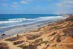 Береговая линия и южный пляж положения Карлсбада на Карлсбаде, Калифорнии. Стоковые Изображения RF