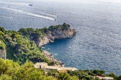 Береговая линия на полуострове Сорренто, Италии Стоковое Изображение RF