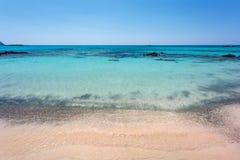 Береговая линия пляжа Elafonissi Крит Греция Стоковые Изображения RF