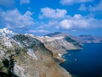 Береговая линия острова Santorini, Греции стоковое изображение