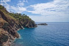 Береговая линия Bonassola - Ligurian море - Лигурия - Италия Стоковое фото RF