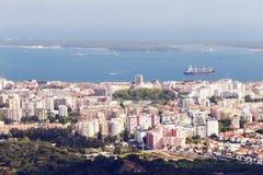 Берег города и моря Setubal стоковое фото rf