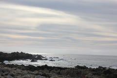 Берег моря вдоль утеса Китая, привода 17 миль, Калифорнии, США Стоковое Изображение RF