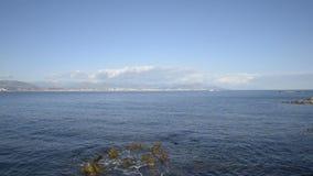 Берег моря крышки Ferrat в солнечном зимнем дне видеоматериал