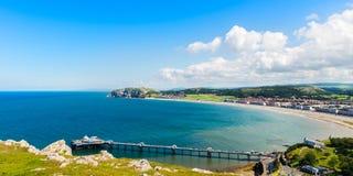Берег моря Llandudno в северном Уэльсе, Великобритании стоковые фотографии rf