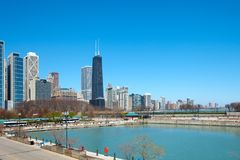 Берег озера и парк Мильтона Ли прованский в Чикаго Стоковые Фото