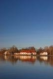 берег озера коттеджей Стоковое Изображение