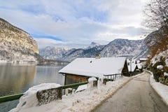 Берег озера на Hallstaetter видит, озеро Hallstatt в Верхней Австрии Стоковое Изображение