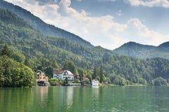 Берег озера Kochelsee Стоковые Изображения RF