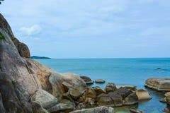 берег океана утесистый стоковые фото