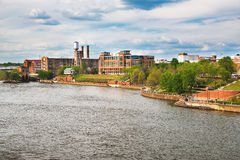 Берег реки и к центру города в Колумбусе, GA Стоковое Изображение