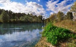 берег реки ландшафта Стоковая Фотография RF