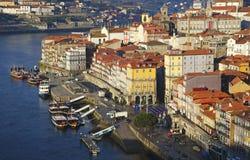 Берег реки Порту в рано утром Стоковое Фото
