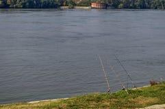 Берег реки реки Дуная городком уловки Стоковые Фотографии RF