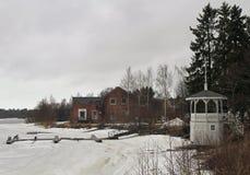 Берег реки реки Oulujoku в Oulu Стоковые Фотографии RF